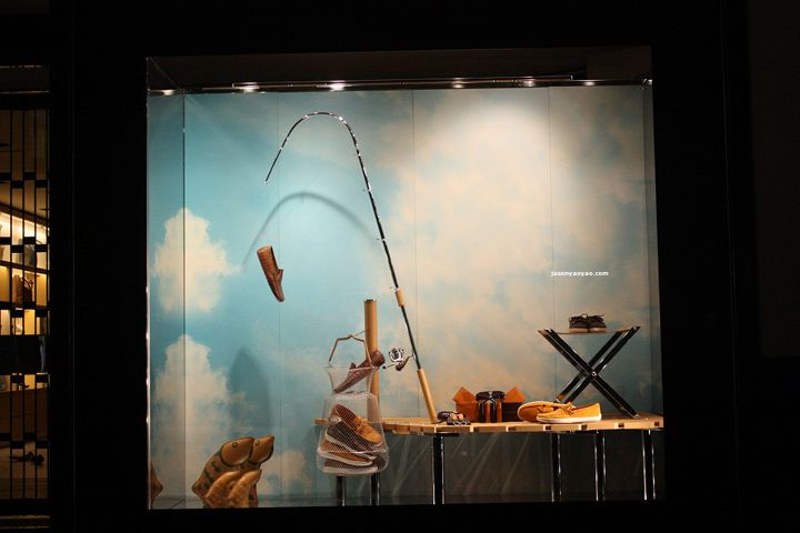 Bizzita window jewelry display.Tods