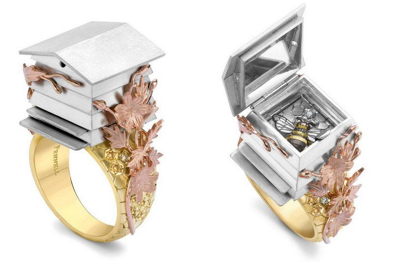 Theo Fennell ring bee House jewelry