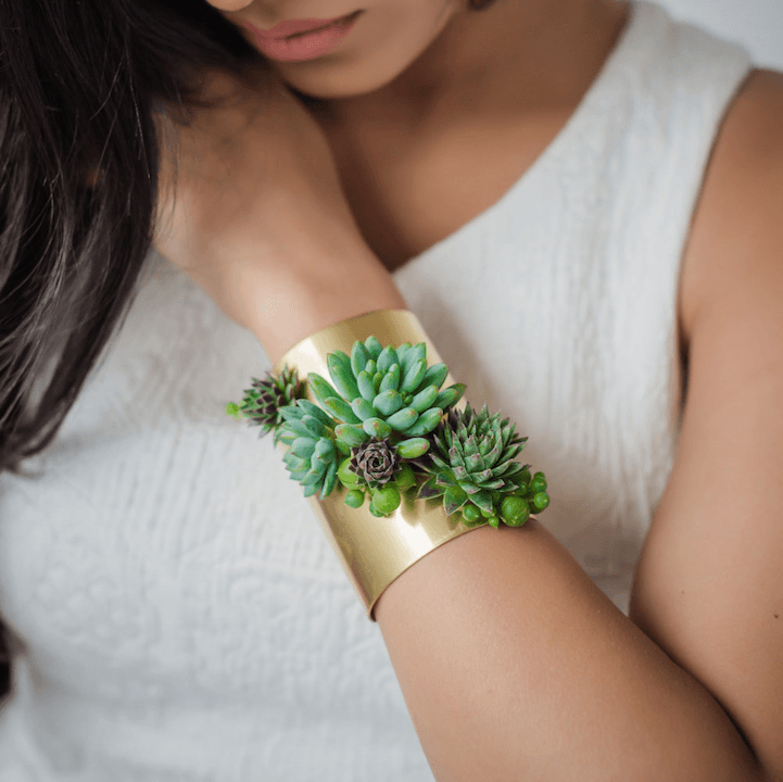 Passion Flower made Susan mcleary jewelry green
