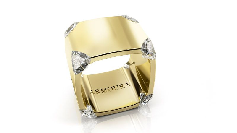 StuartMcGrathTrilliant ring 18ct yellow gold with clear diamonds