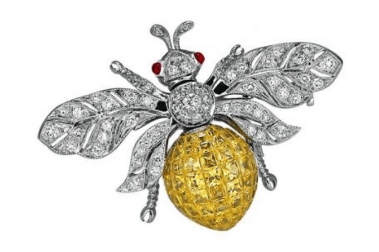 33.JacobCo WhiteGoldabiellecollectionbee Brooch