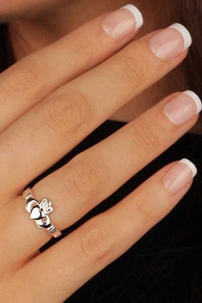 Wedding ring Claddagh ring