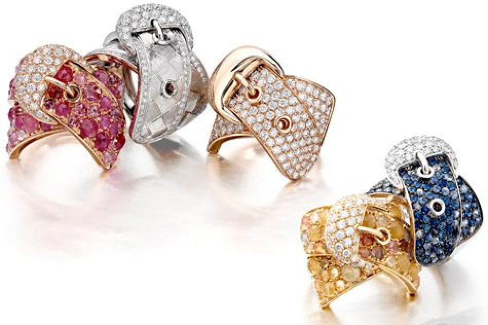 The biggest trends in jewelry for autumn and winter 2014-2015. Part 5. Sporty and Suits