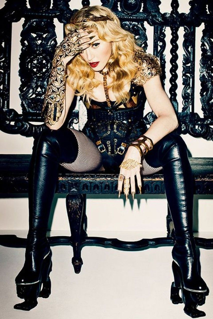 Madonna Always an Inspiration, see Her Setting another Jewelry Trend